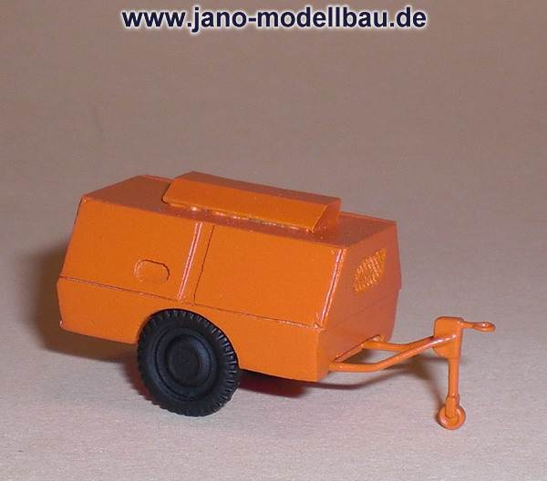 Kompressoranhänger Diko 4/8 der DDR in orange TT